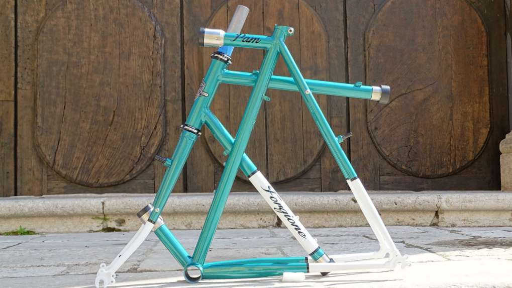 dismountable bicycle frame for touring bike